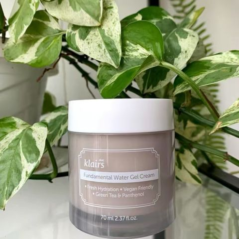 Oily-Skin Friendly Water Cream for Autumn/Winter