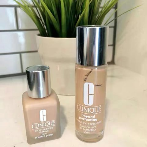 Clinique Foundations Review- natural & dewy