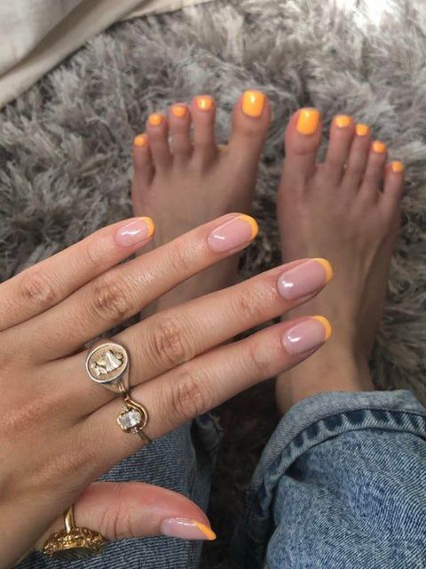 Hello Yellow💛 simple summer with matching toe nails!