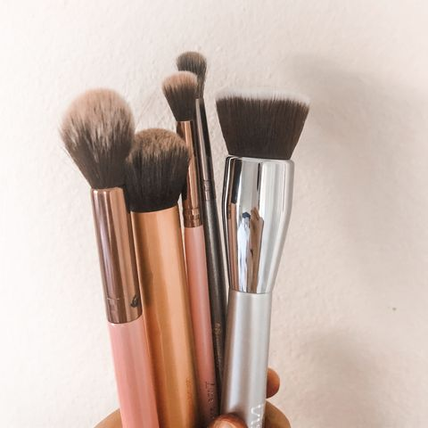 My top makeup tools/brushes must haves!!