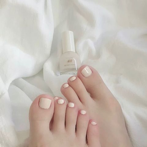Perfect Summer Pedicure - H&M Review