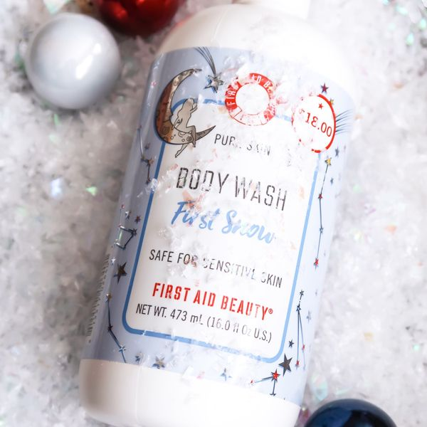 FIRST AID BEAUTY - Pure Skin Body Wash First Snow ❄️ ❄️First Aid Beauty gifted... | Cherie