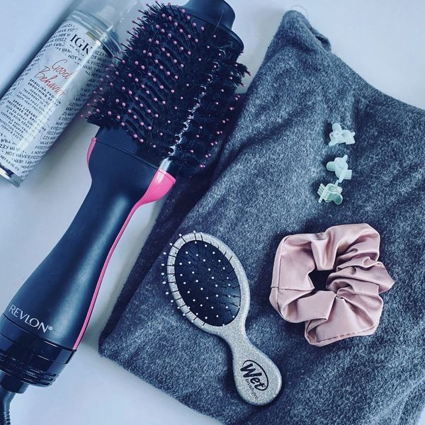 Battle of the Tools: T-Shirt vs Hair Dryer 🖤 | Cherie