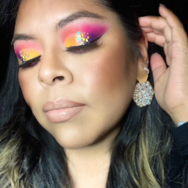 Colorful eyeshadow | Cherie
