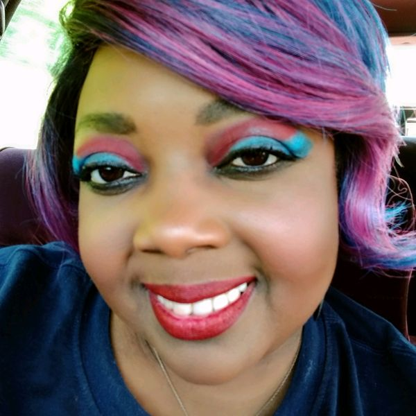 Doing Makeup with a Hand Disability.  | Cherie