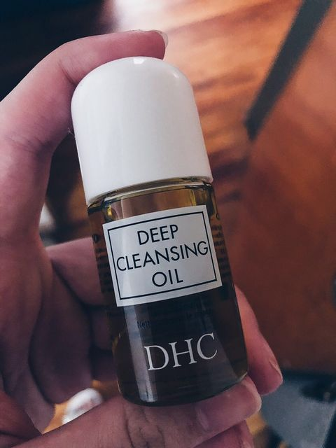 About oil cleansing