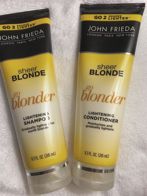 Calling all blonde babes!