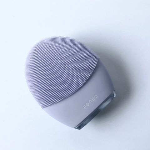 FOREO LUNA 3 Sensitive Skin Brush