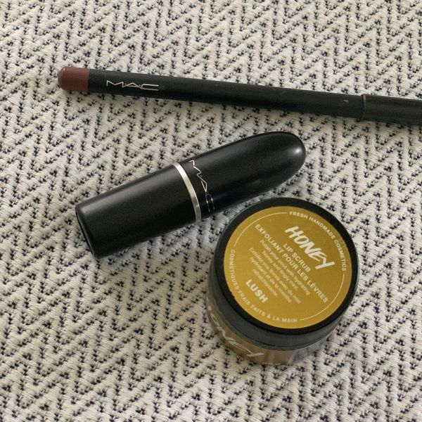 Your lips need a skincare routine!!!   Cherie