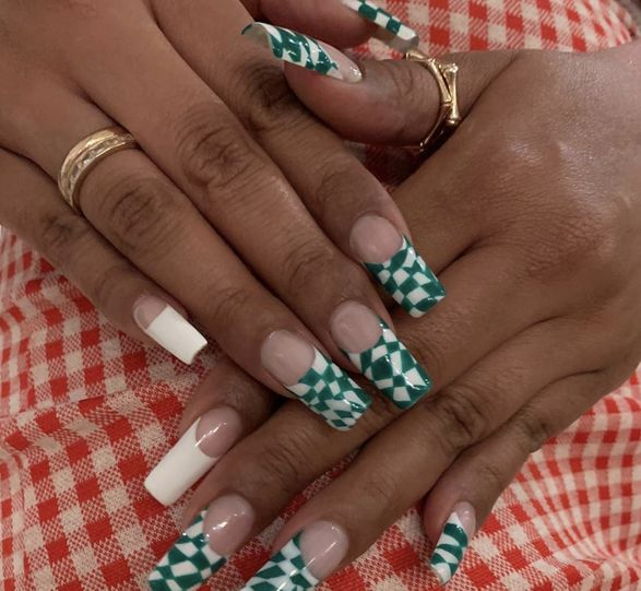 @manicures.as on Instagram