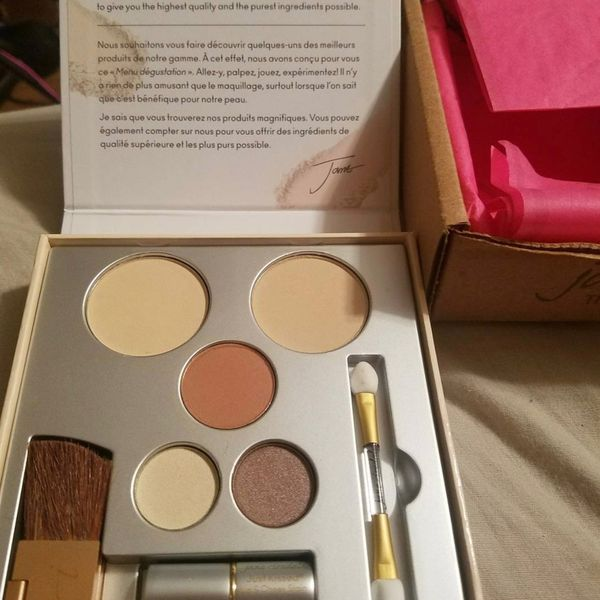 I love this bronzer by Jane Iredale It Rocks | Cherie