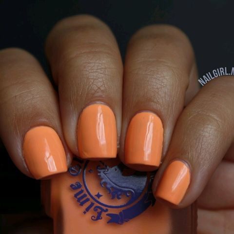 PASTEL ORANGE NAILS FOR SUMMER