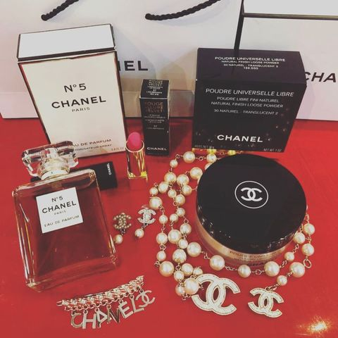 COCO 🥜 CHANEL BEAUTY ON TOP