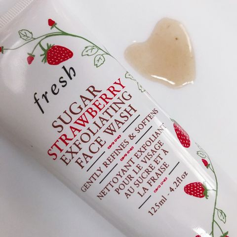 Fresh Sugar Strawberry Exfoliating Wash