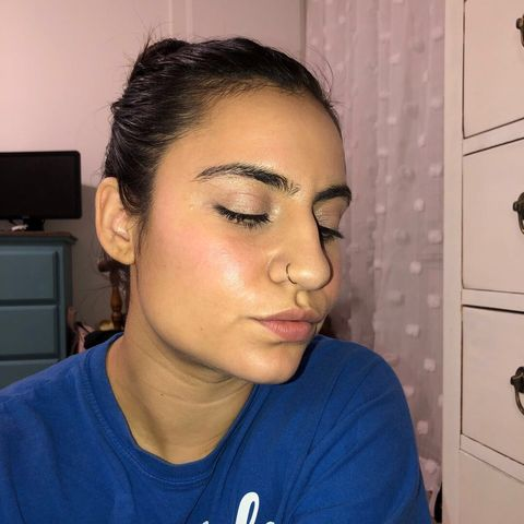 "Glossier ""Dewy"" look lasts ALL DAY ✨"