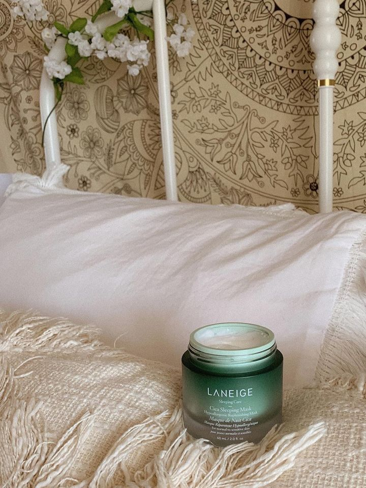This sleeping mask is a dream ☁️   Cherie