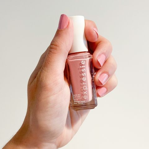 Foolproof nail polish when you're in a hurry 💅