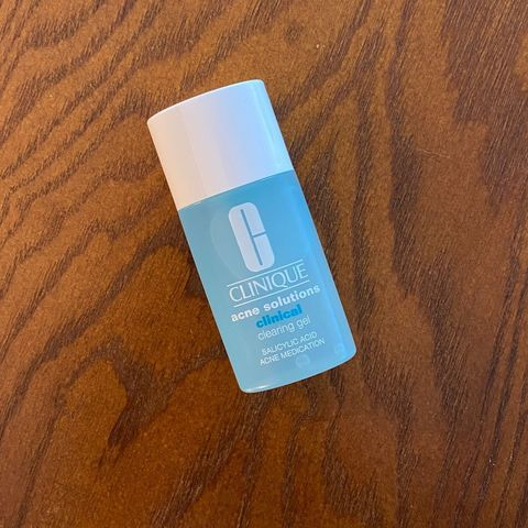 Review of Clinique's clearing gel