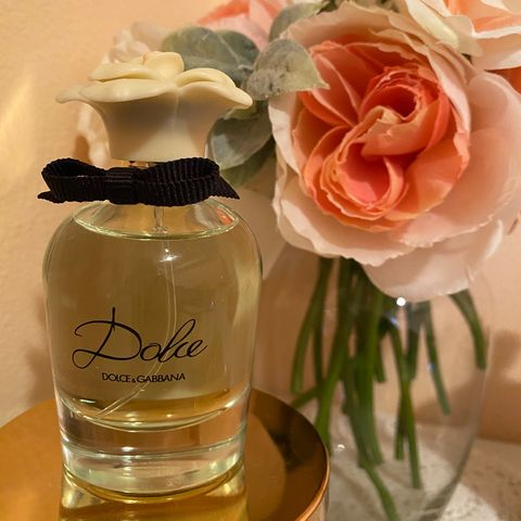 Smell like a Field of Floral 🌹- Dolce Perfume