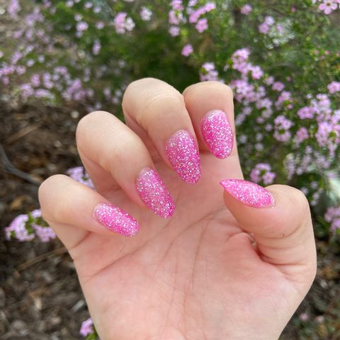 I started doing my own nails to save money!💅🏻