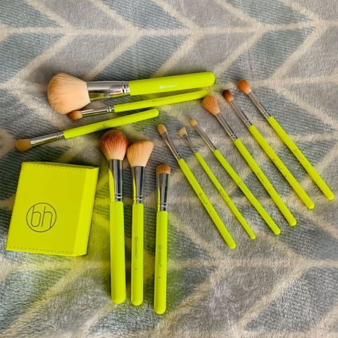 bh Cosmetics | neon brush set