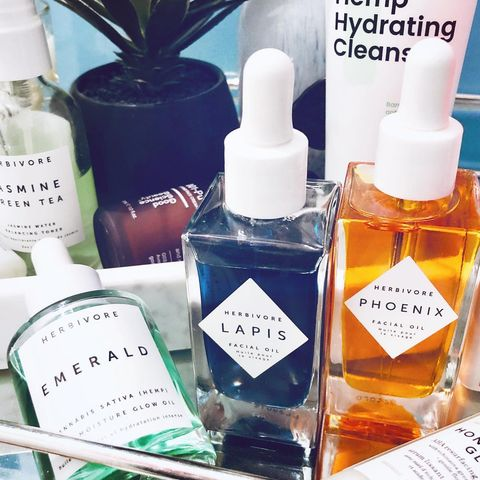 Face Oils: from the first mome