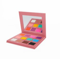 Dare to Be Different Eyeshadow Palette