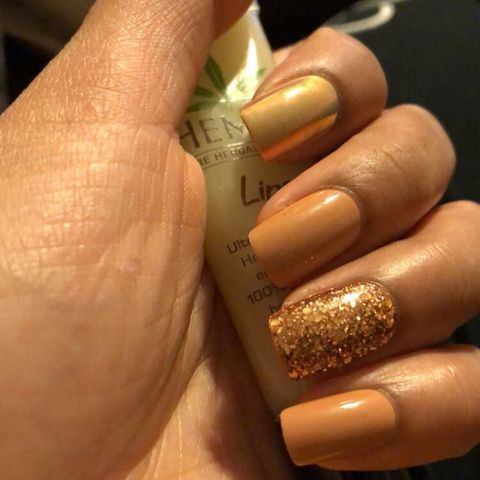 ✨Glued on nails for the win?✨