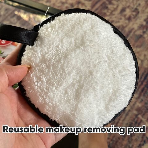 Reusable makeup removing pad
