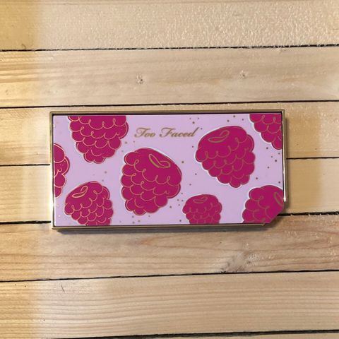 Too Faced Tutti Frutti Razzle Dazzle Berry Eyesh