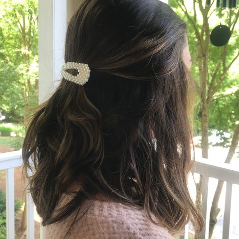 Cute, easy hairstyle with clips 🥰