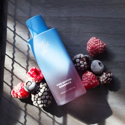 Get glowing skin with this essence