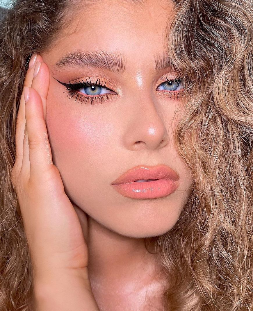 6 Sun Kissed Makeup Looks For A Beachy Vibe