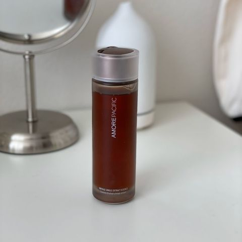 Amorepacific essence for oil control