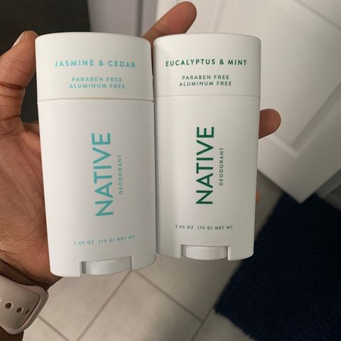 🌿 native deodorant: great scent, chalky texture
