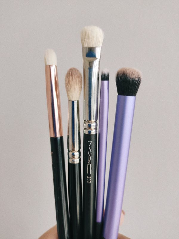 MY TOP 5 EYESHADOW BRUSHES | Cherie