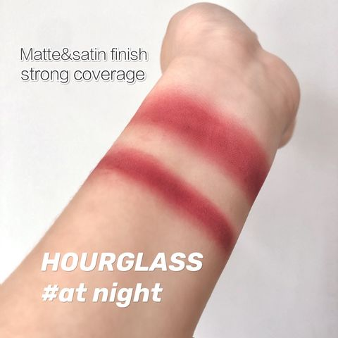 Cool-tone lipstick recommended for warm complexion!