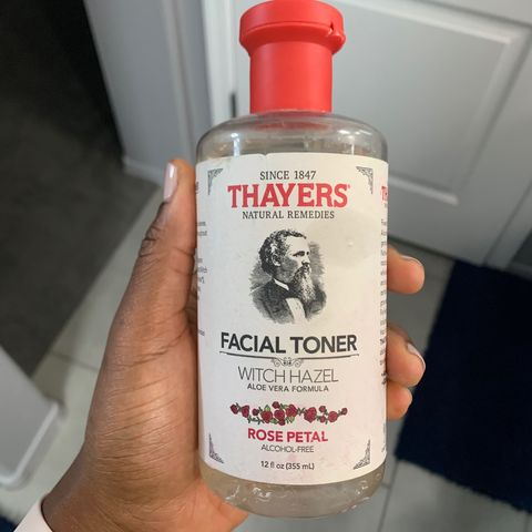 🌹 drying as a facial toner, but good for bacne