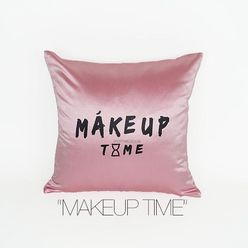 MÁKEUP TIME DECORATIVE PILLOW