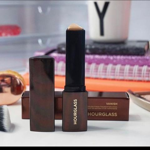 Unpopular Opinion: Hourglass Stick Foundation