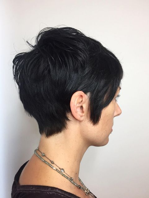 Tired of boring haircuts? Why not try this pixie cut!😎