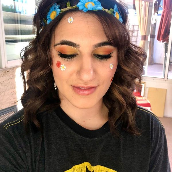 Hippie Halloween Makeup on Bestie 🥳 | Cherie