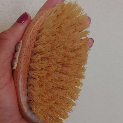 Dry Brushing Benefits For Skin