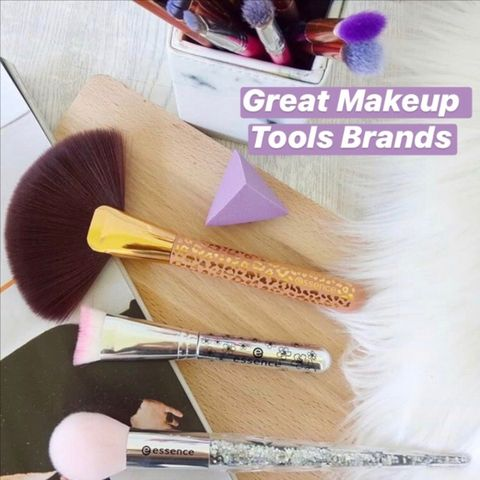 Makeup Tools that Deserve Space in your Kit Bag