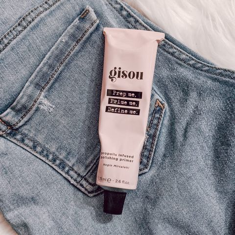 A primer that does not leave your hair stiff!