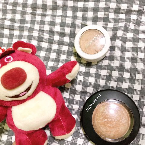 Worth it or not? MAC And COLOURPOP highlighter