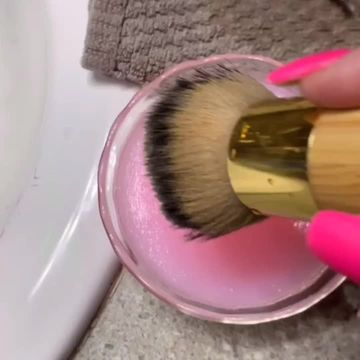 Hack to clean makeup brushes